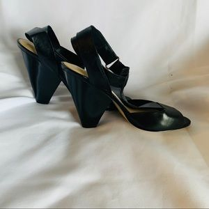 Nine West Women's Black Heeled Leather Shoe
